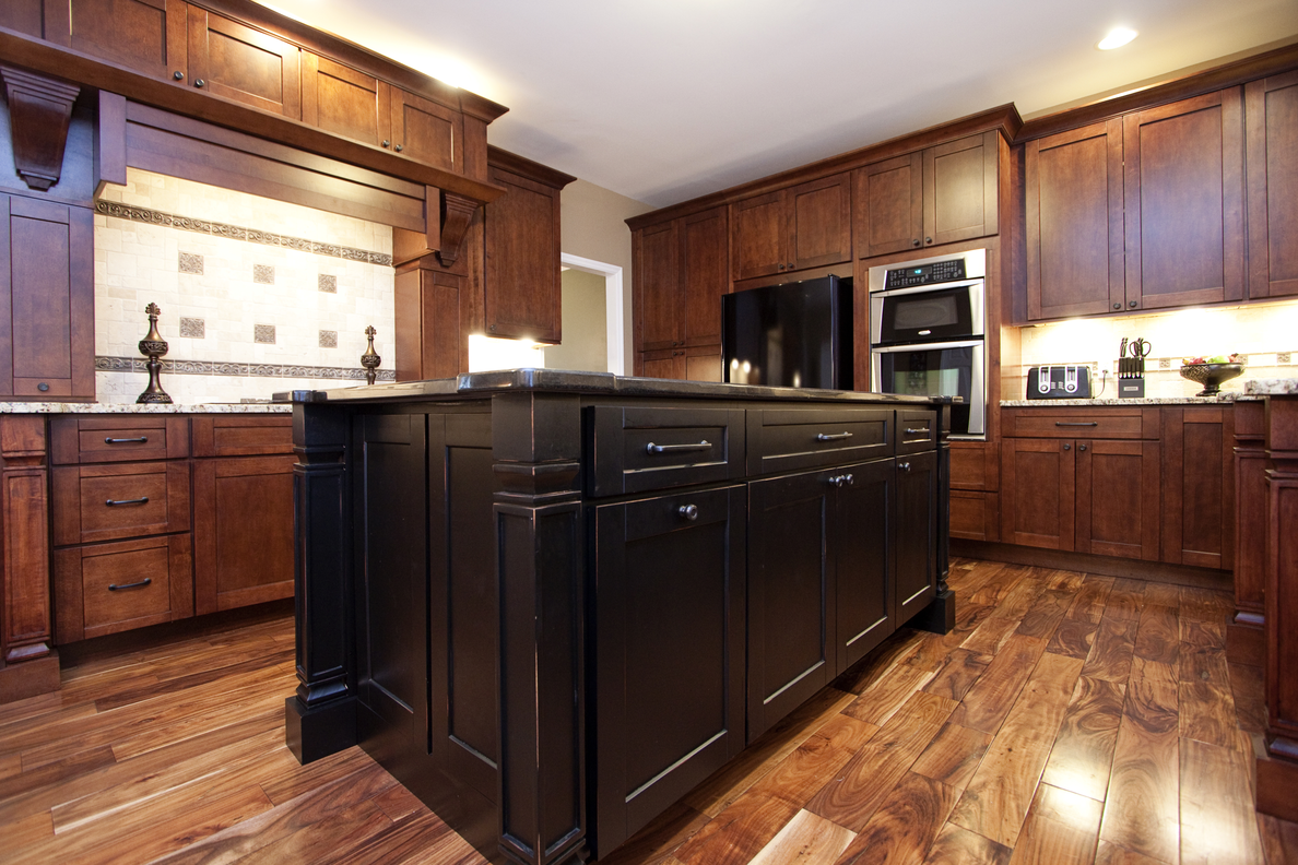 Manchester shaker brandywine kitchen cabinets willow for Brandywine kitchen cabinets