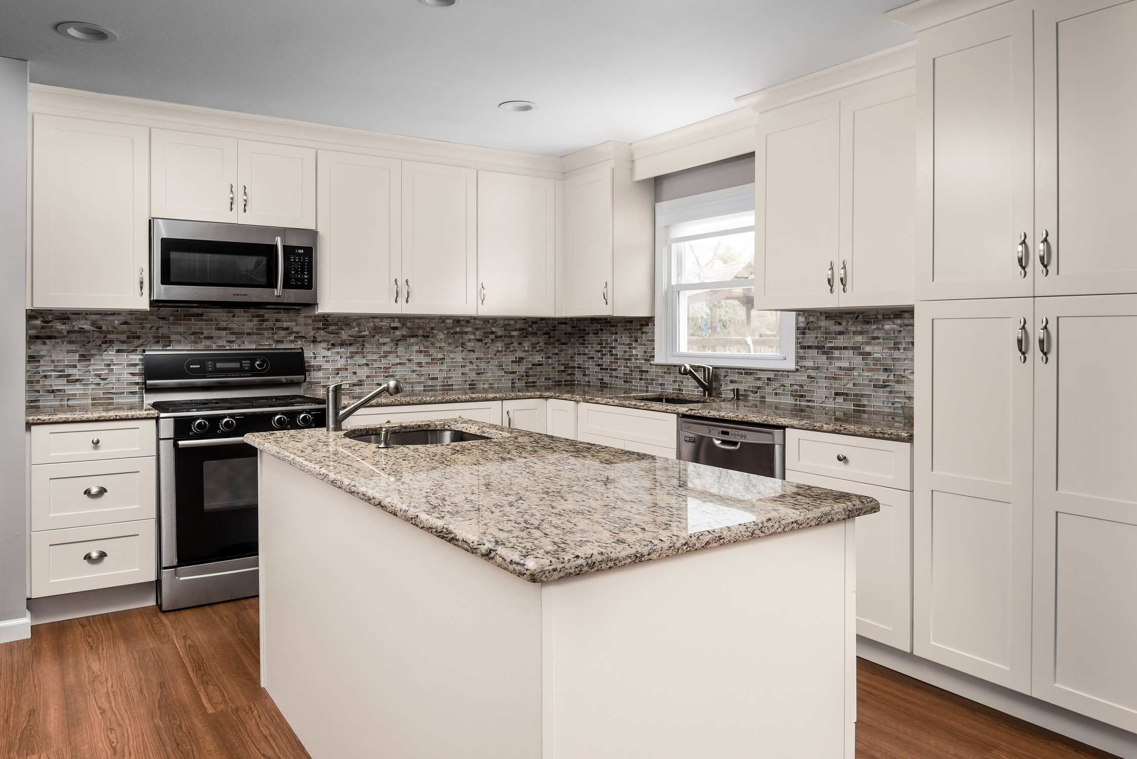 Midtown%20Cream%20Shaker%20Kitchen%20Cabinets